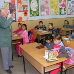 Intr-o scoala din Valcea 20 de elevi invata sa vorbeasca esperanto