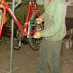 Electrocutat in timp ce incerca sa-si sudeze bicicleta