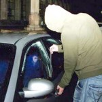 Autoturism spart in Petrisor