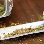 Prinsi cu marijuana in plina strada