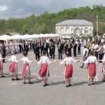 Targul de Izvorul Tamaduirii de la Horezu – traditie, mestesug si arta populara
