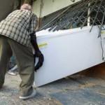 Un barbat din comuna Susani este cercetat pentru ca a furat frigiderul vecinului