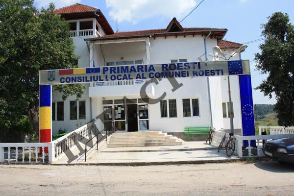 Proiectul de amenajare a staţiei de reciclare a deşeurilor menajere de la Roeşti este deja un miraj