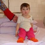 Fetita ratacita in munti, la trei ani
