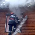 Casa incendiata din cauza cosului de fum la Daesti