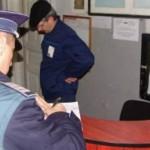 Agentii de paza, luati la purecat de politisti
