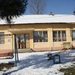 Gradinita din satul Milesti, construita acum 50 de ani, are urgent nevoie de fonduri